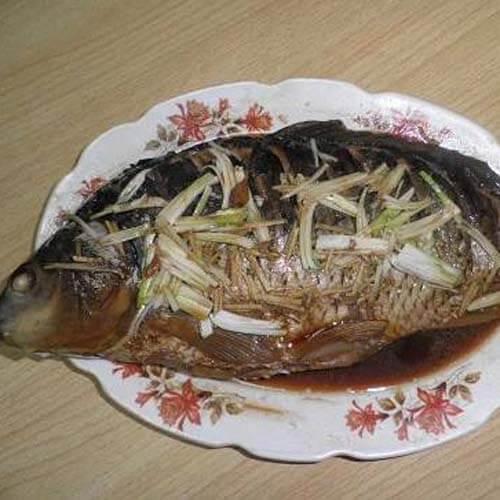 美美厨房之清炖鲤鱼