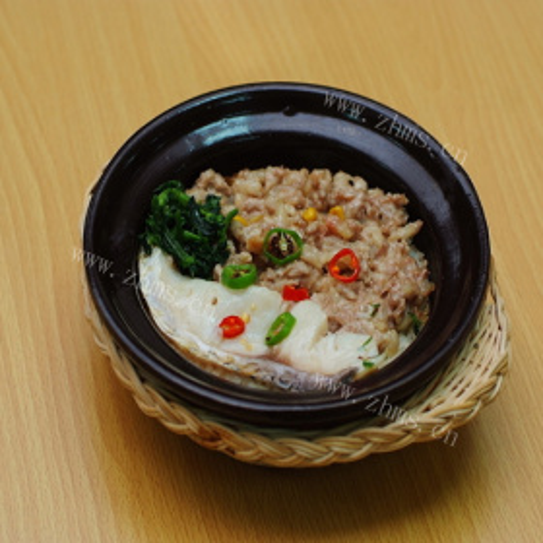 咸鱼肽米煲仔饭