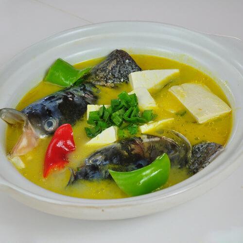 独特的鱼头炖豆腐