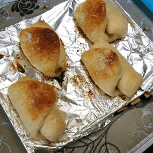 奶香卷心果酱小面包
