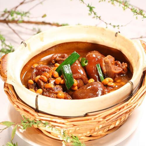 猪蹄炖黄豆