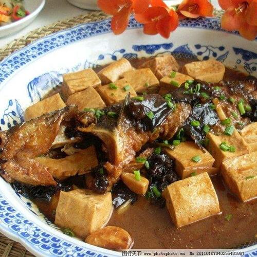 老豆腐红烧昂刺鱼
