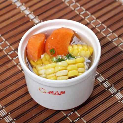 养生胡萝卜玉米排骨汤