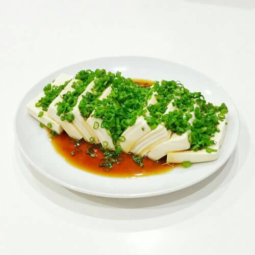 美美厨房之小葱拌豆腐