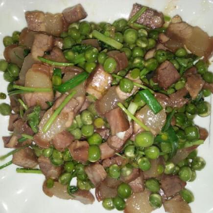 腊肉焖豆豆