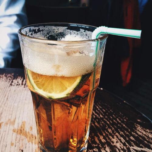 红茶柠檬水
