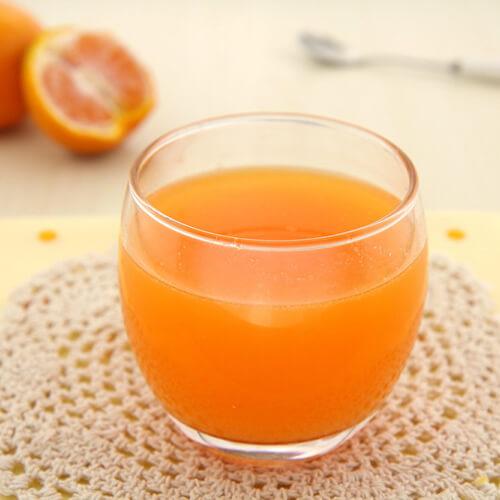 鲜榨蜂蜜香蕉橘子汁
