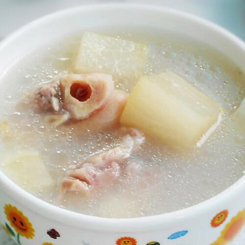 白萝卜牛碎肉汤