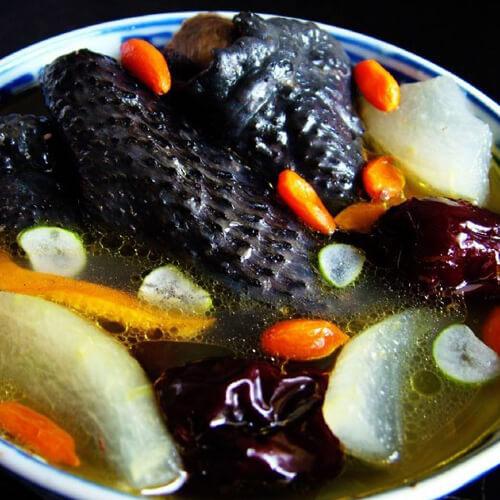 居家砂锅煲枸杞乌鸡汤