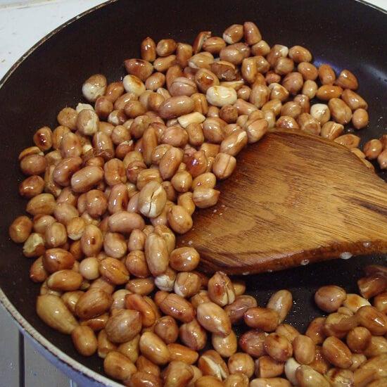 妈妈做的炒花生米