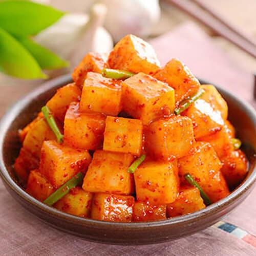 早餐美食韩国萝卜泡菜
