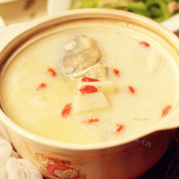 陈皮百合鲫鱼汤