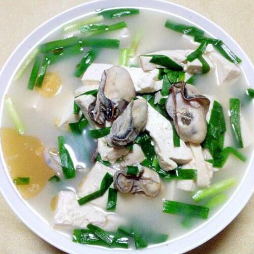 鲜美海蛎子炖豆腐