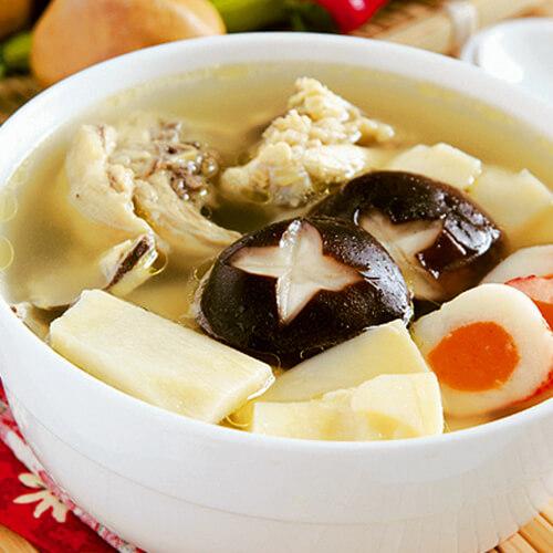 美味的冬笋骨头汤