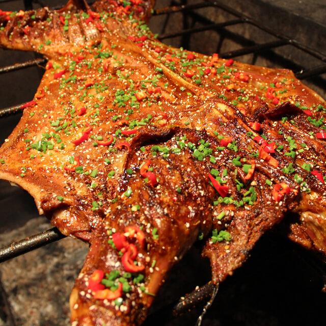 传统烤全羊