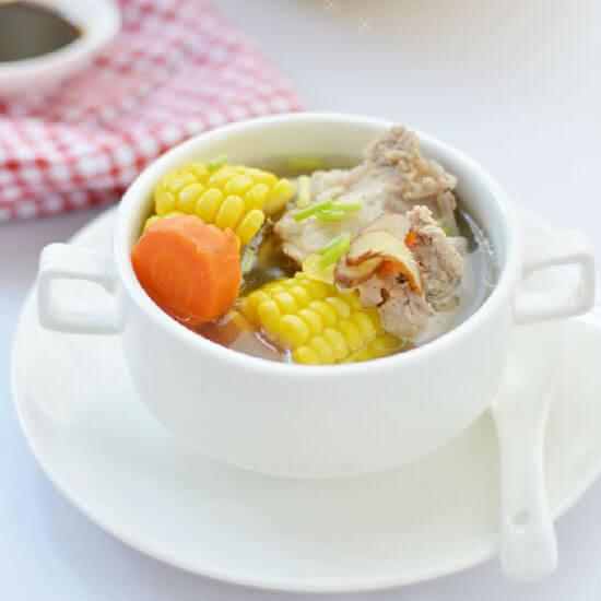 苦瓜玉米骨头汤