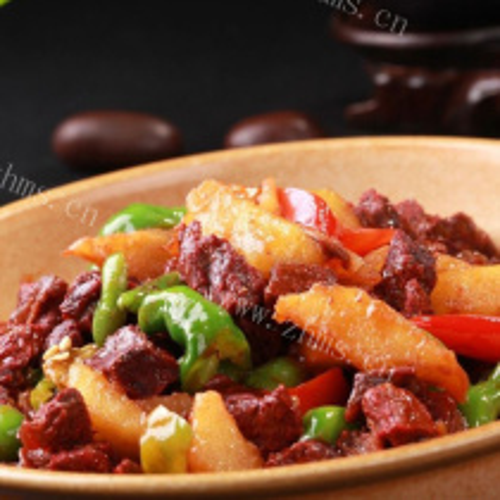 铁板牛肉土豆片