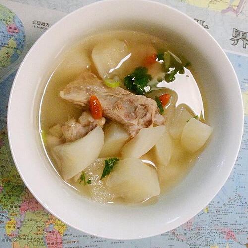 【家有大厨】排骨萝卜汤