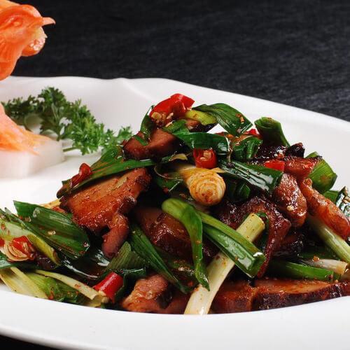 香肠胡萝卜炒青蒜