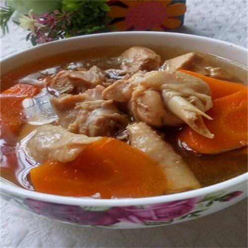 美味的枸杞萝卜鸡汤