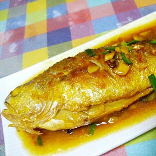 红焖黄花鱼