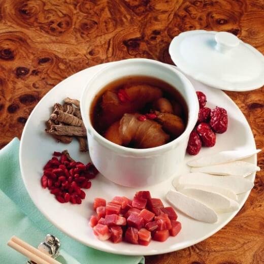 冰糖百合红枣燕窝