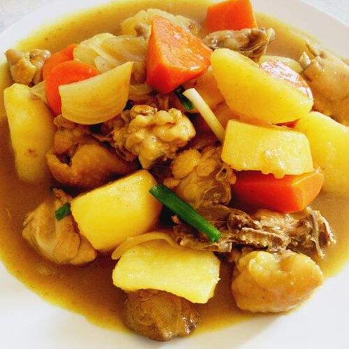 南亚美食泰式土豆咖喱鸡