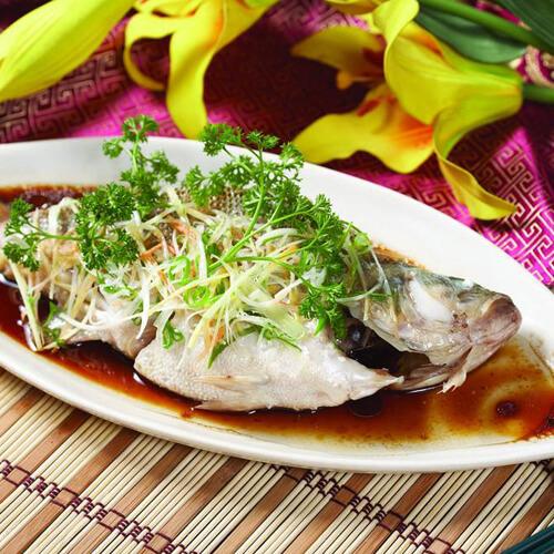 家常菜清蒸鲈鱼