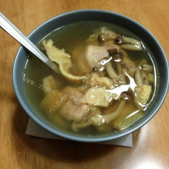 老母鸡炖海鲜菇