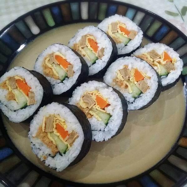 水滴状的千岛鸡肉寿司