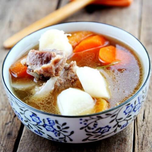 排骨炖山药胡萝卜汤