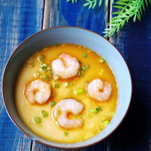 双色蛤蜊蒸蛋