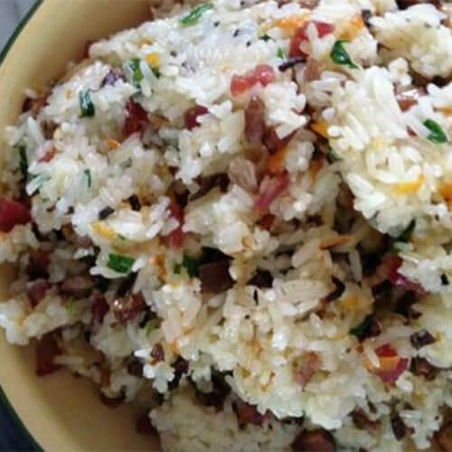 腊肉炒米饭