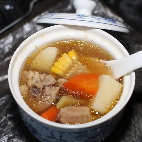 萝卜山药炖鸡汤