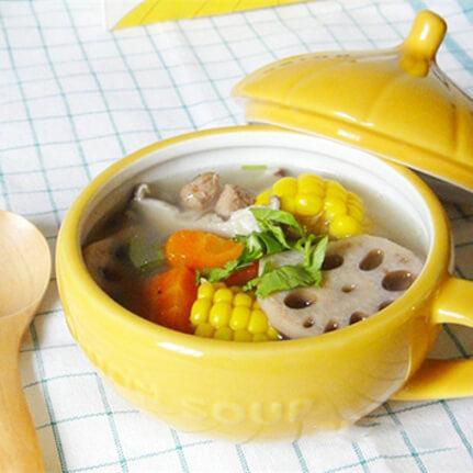 香甜的莲藕玉米鸡汤煲