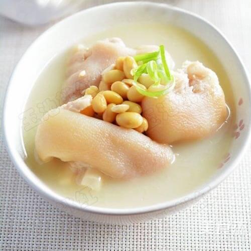 好喝的黄豆猪蹄汤