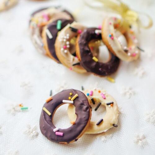 甜甜圈糖霜饼干