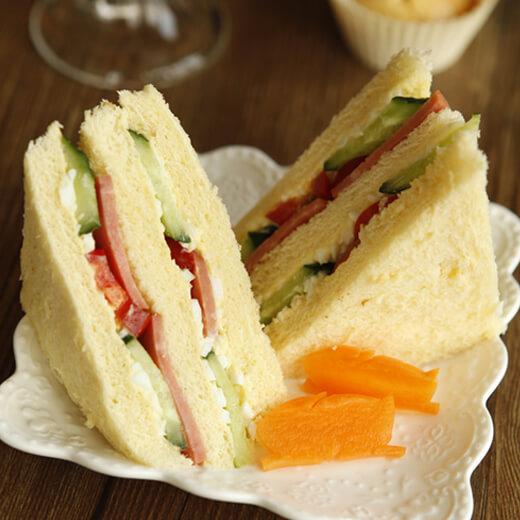 好吃的美味早餐三明治