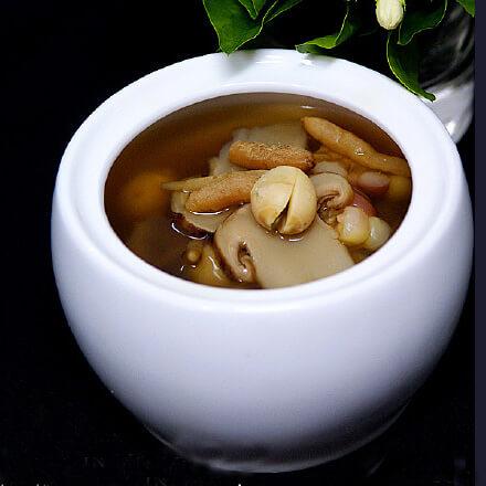 玉米莲藕炖松茸
