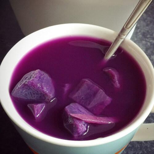 营养的牛奶紫薯糖水