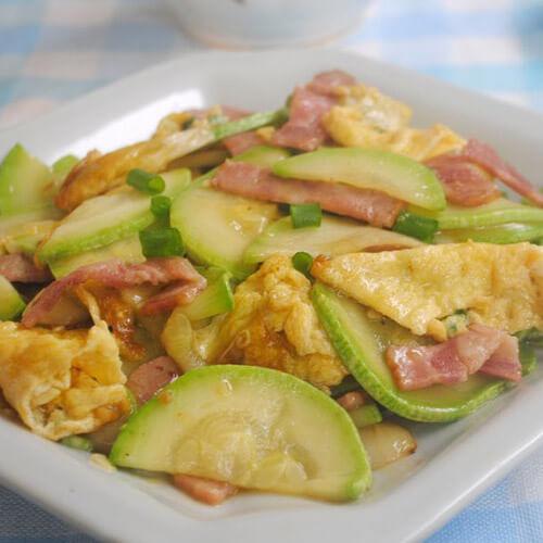 西葫芦西红柿炒蛋