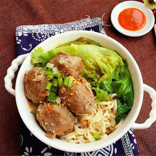 牛筋丸面条汤