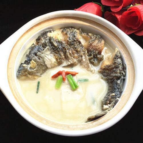 白胡椒豆腐鲫鱼汤