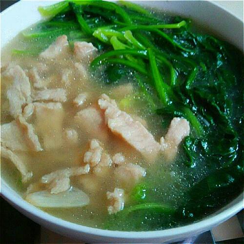 嫩肉菠菜汤