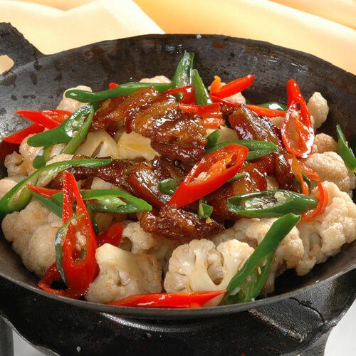 美味的卤鸭烧花菜