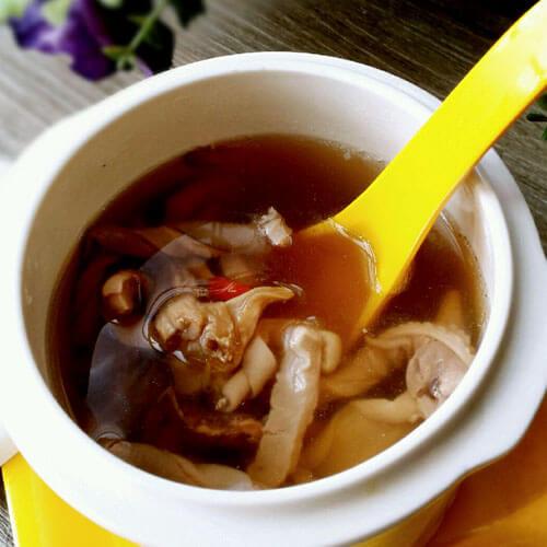 墨鱼花生莲藕汤