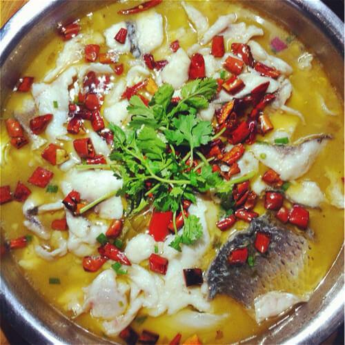 酸菜炖鱼块