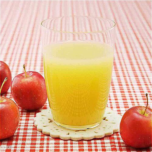 鲜榨苹果雪梨汁