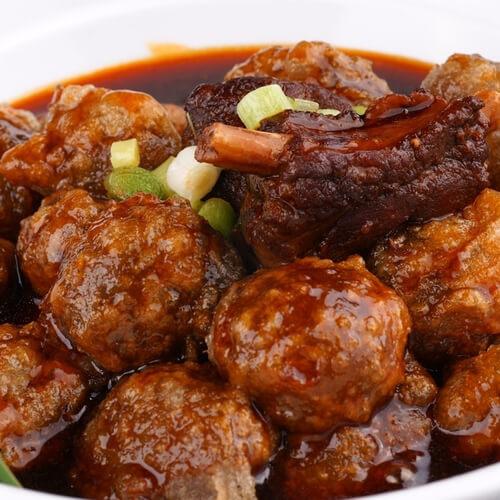 西兰花胡萝卜炒猪肉丸
