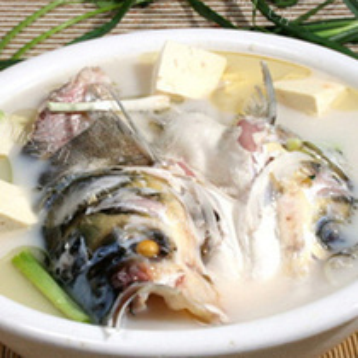 滋补鱼头豆腐汤